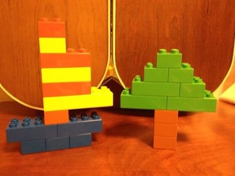 簡単なレゴ ヨットと木